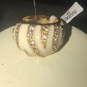Cream and gold tone enamel dome rhinestone ring